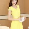 ชุดเดรสสั้นน่ารัก สีเหลือง ผ้าใยแก้ว แขนสั้น เอวเข้ารูป พร้อมเข็มขัดเข้าชุด size XL